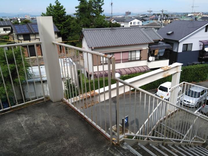 積志協働センター非常階段_170915_0046